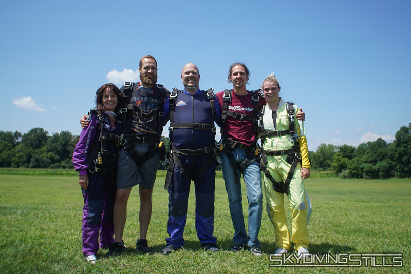 "The family that jumps together... <br><span class=""skyfilename"" style=""font-size:14px"">2019-08-04_skydive_cpi_0666</span>"
