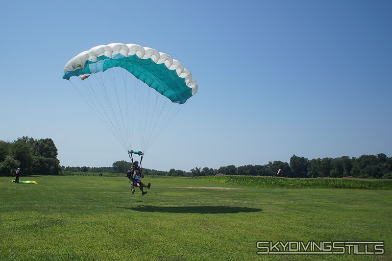 """Olger's tandem with Justin. <br><span class=""""skyfilename"""" style=""""font-size:14px"""">2019-08-04_skydive_cpi_0416</span>"""