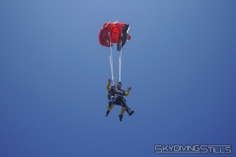 "Yoink! <br><span class=""skyfilename"" style=""font-size:14px"">2019-08-04_skydive_cpi_0509</span>"