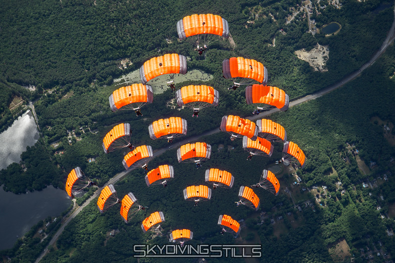 """Starburst. Published in the 2017 USPA Calendar, June. <br><span class=""""skyfilename"""" style=""""font-size:14px"""">2016-07-02_skydive_jumptown_0519</span>"""