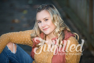 Skylar Sikes Fall Senior Session (45)
