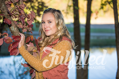 Skylar Sikes Fall Senior Session (10)