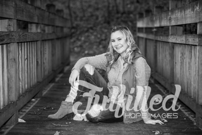 Skylar Sikes Fall Senior Session (40)