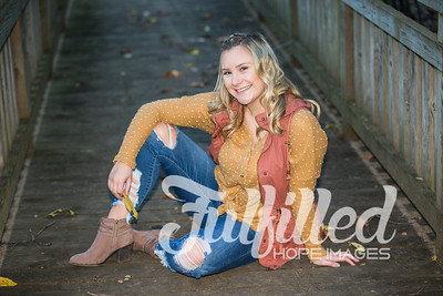 Skylar Sikes Fall Senior Session (44)