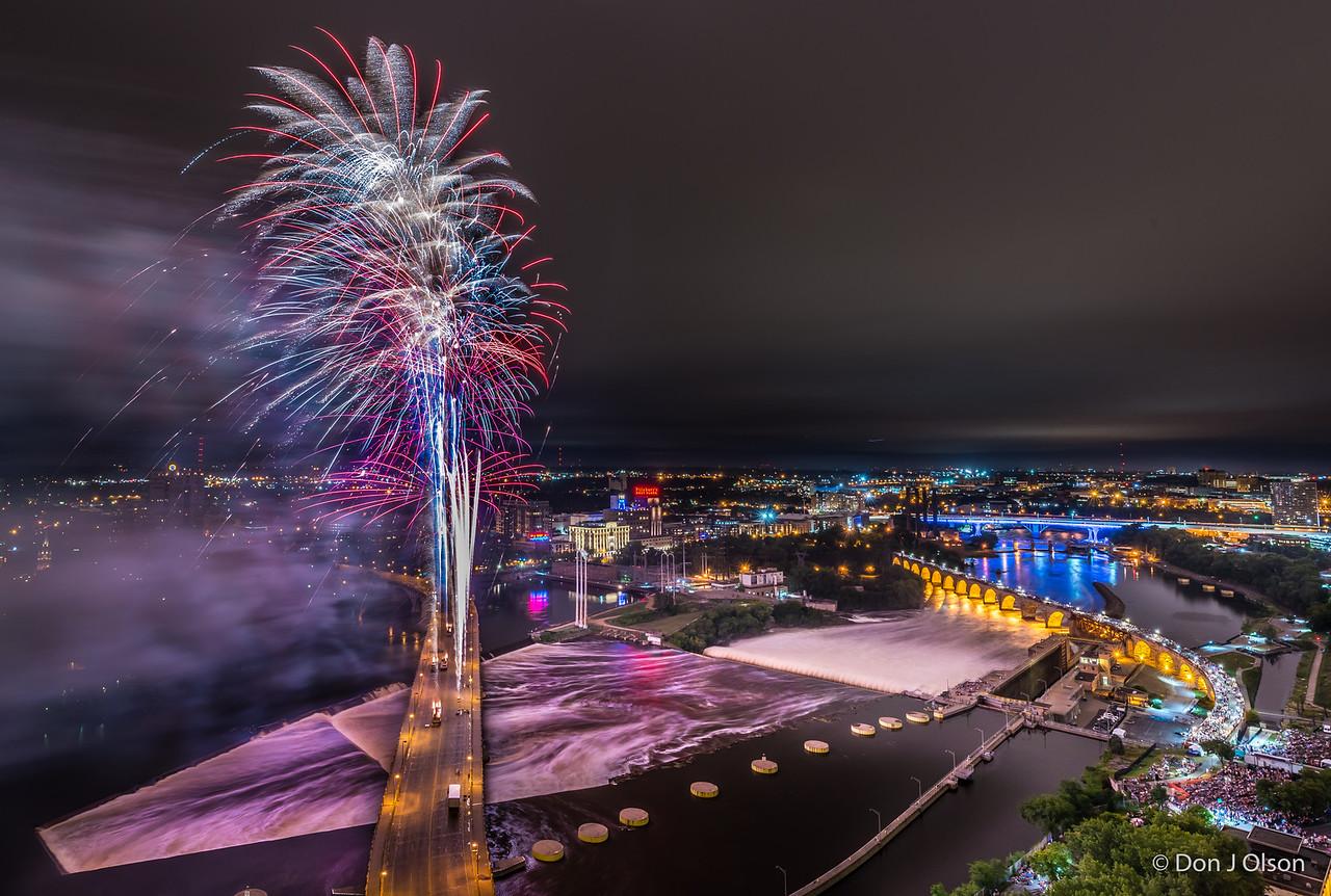 2016 Aquatennial Fireworks, Minneapolis, MN.