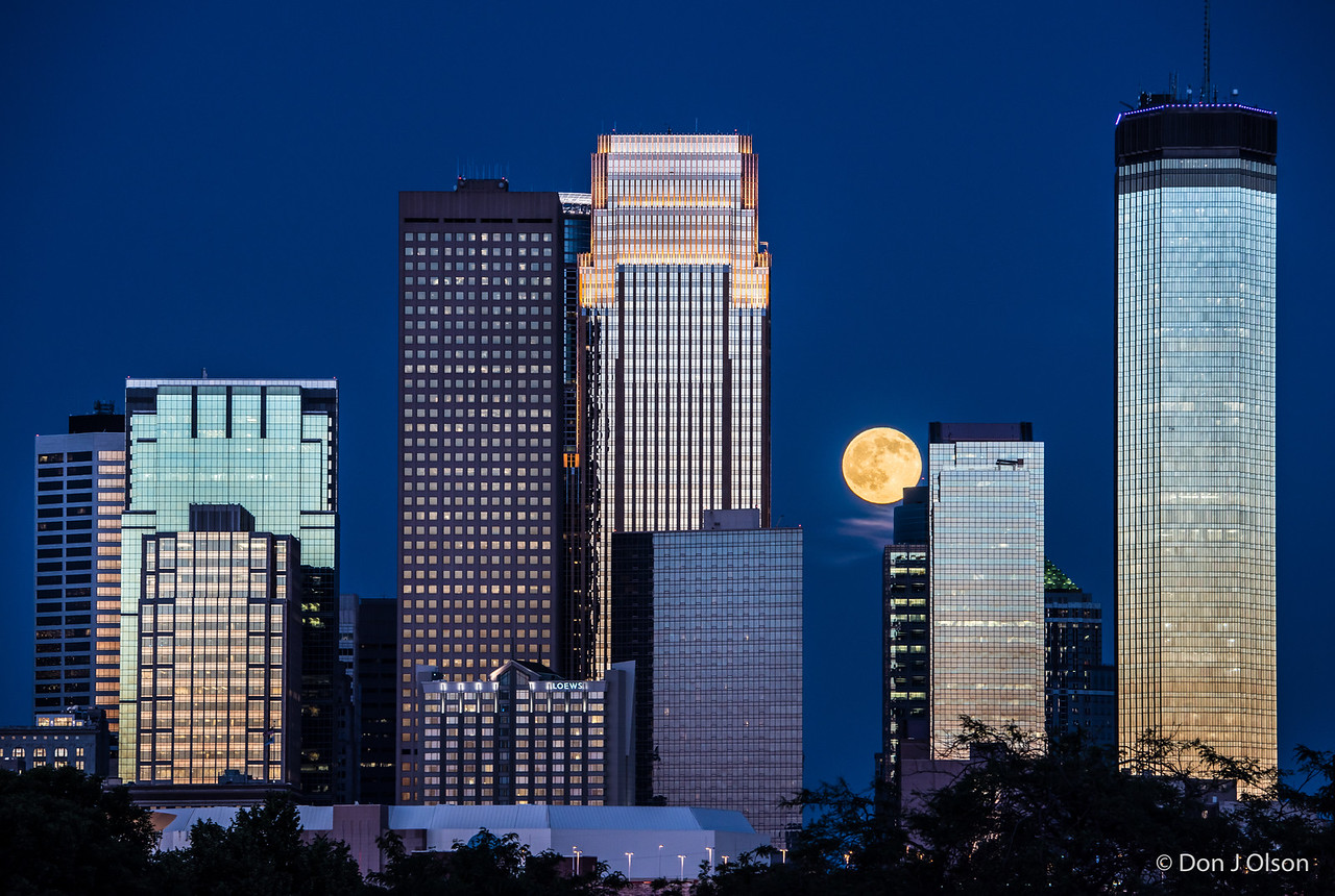 Minneapolis 2016 Strawberry Full Moon. June 20, 2016