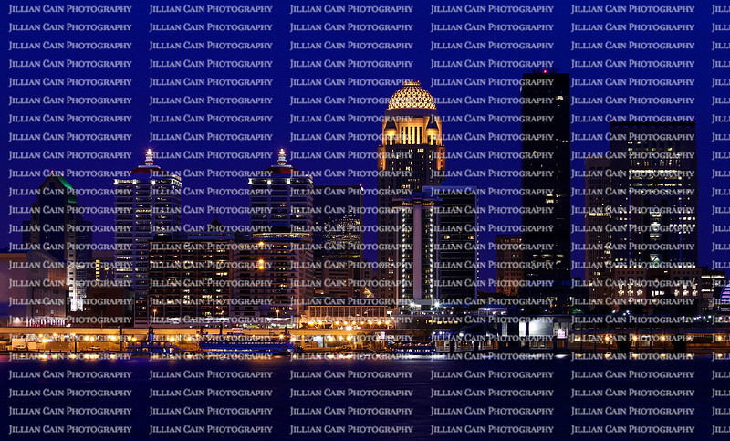 Louisville, Kentucky skyline at night