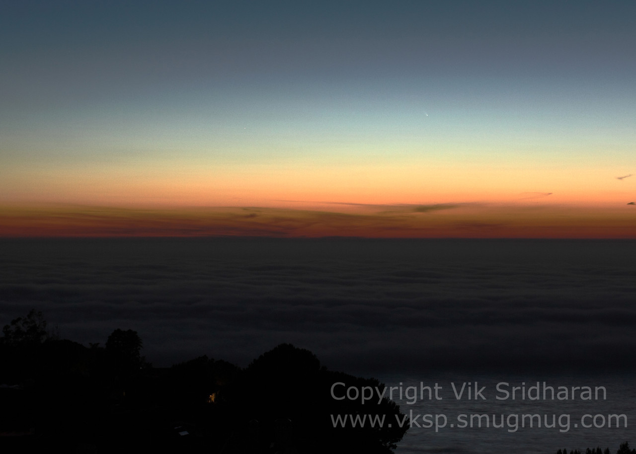 http://www.vksphoto.com/Skyscapes/Comet-Pan-STARRS-March-2013/i-2qxgTPj/2/X2/IMG_6102-X2.jpg