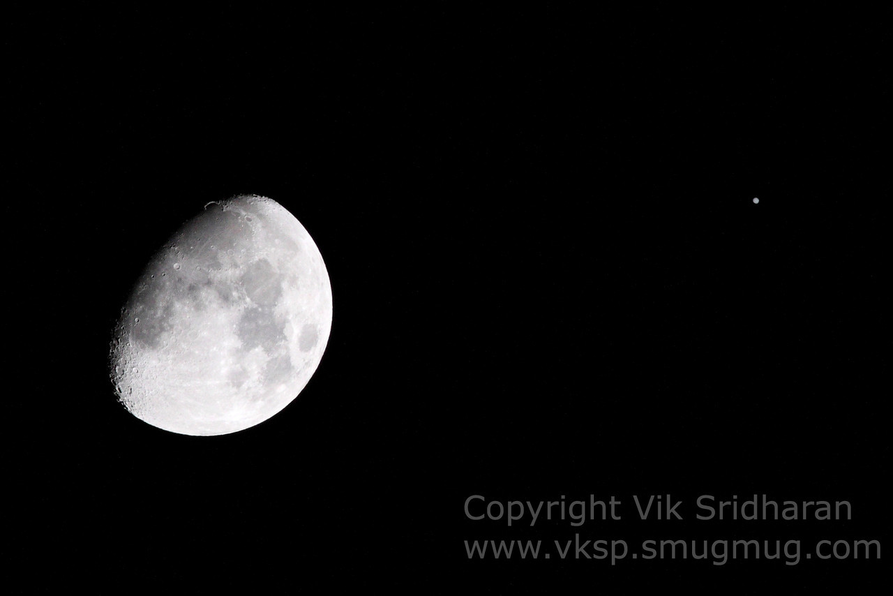 http://www.vksphoto.com/Skyscapes/Moon-Shots/i-C2D6fkJ/0/X2/IMG_3601-X2.jpg
