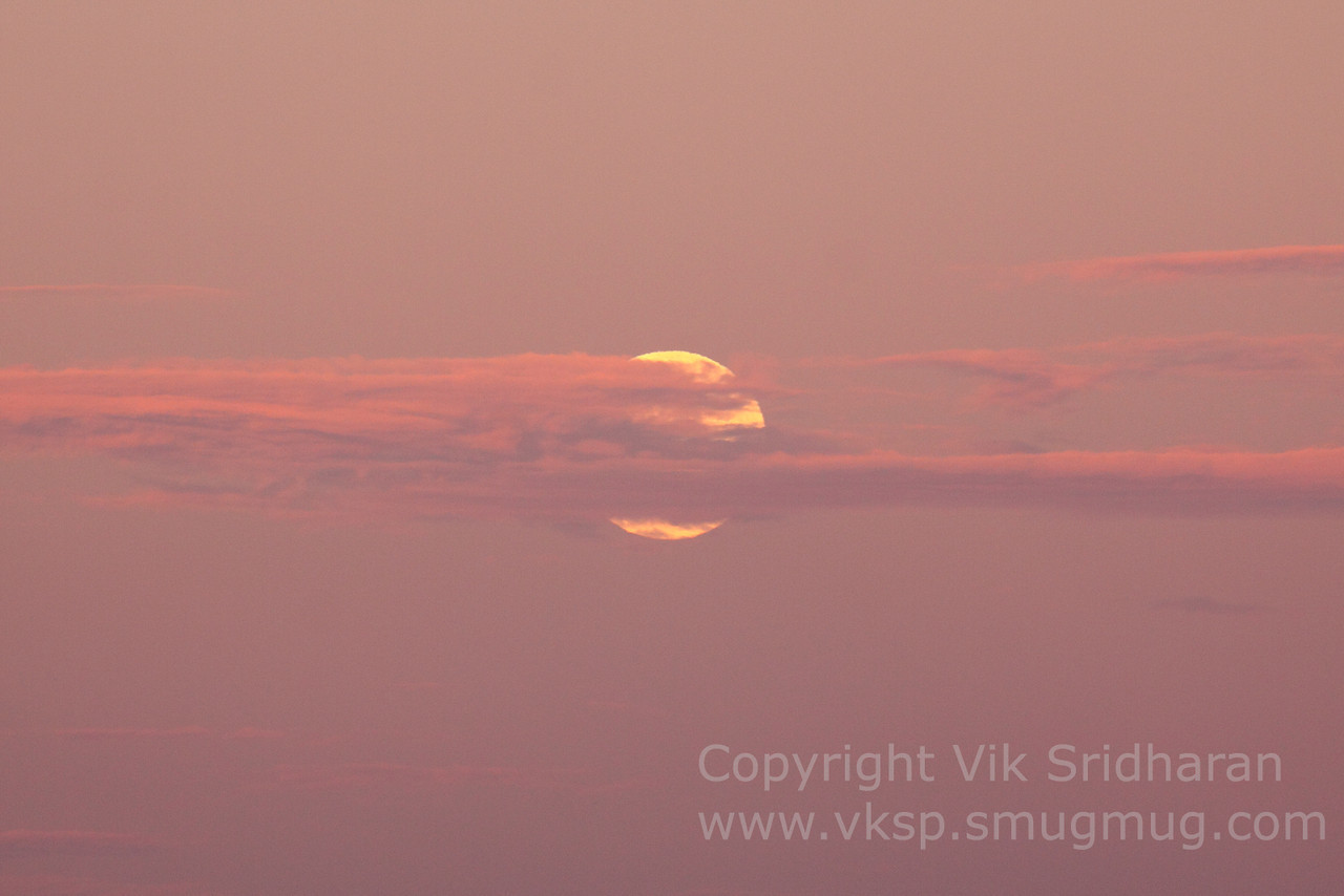 http://www.vksphoto.com/Skyscapes/Moon-Shots/i-tjJ2mLH/0/X2/IMG_3395-X2.jpg