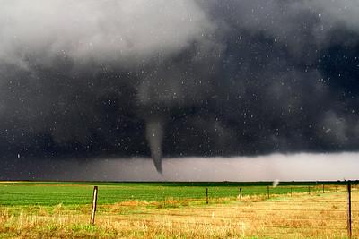 Kansas Tornado wrapped in Hail