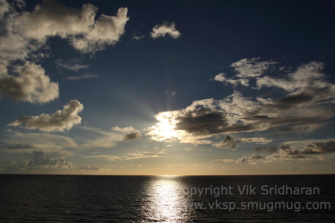 http://www.vksphoto.com/Skyscapes/Sunsets/i-gBM3phF/0/X2/IMG8318-X2.jpg