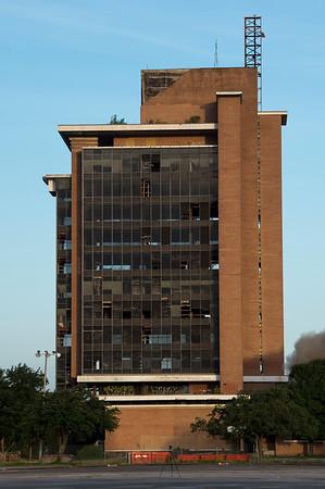Skyscraper Bank Building Implosion_006