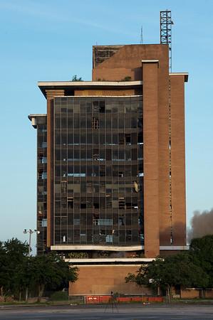 Skyscraper Bank Building Implosion_008