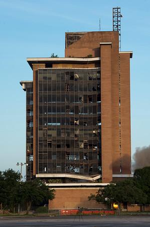 Skyscraper Bank Building Implosion_009