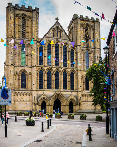 Ripon cathedral from the High Street