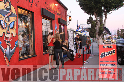 04 06 09  Every monday Happy hour at Salve Boutique   2122 Lincoln blvd Venice, CA 90291  310 396 7979  Photo by VenicePaparazzi com (9)
