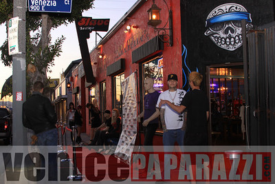 04 06 09  Every monday Happy hour at Salve Boutique   2122 Lincoln blvd Venice, CA 90291  310 396 7979  Photo by VenicePaparazzi com (24)