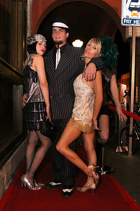 12 20 08  Venice Paparazzi rolls out the red carpet for Debi Nevill, Evan Button and KJB Kiely   Nikki's www nikkivenice com Photo by Venice Paparazzi  (33)