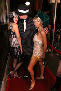 12 20 08  Venice Paparazzi rolls out the red carpet for Debi Nevill, Evan Button and KJB Kiely   Nikki's www nikkivenice com Photo by Venice Paparazzi  (35)