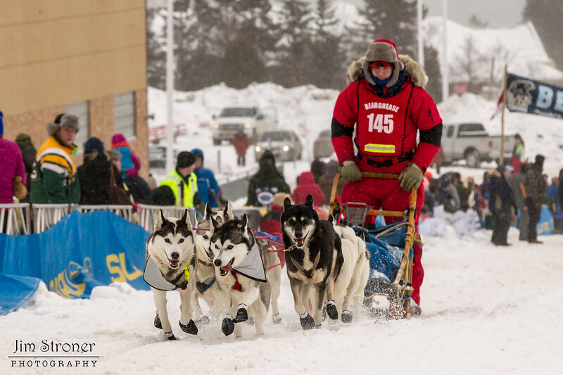 Alice White at start of 2014 John Beargrease Mid-Distance race