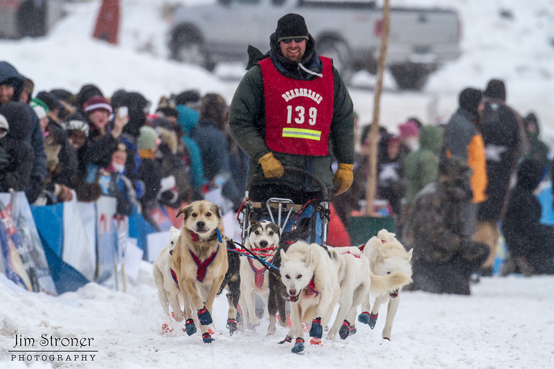 Mike Hoff at start of 2014 John Beargrease Mid-Distance race
