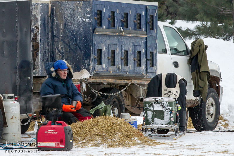 Peter McClelland's team at Hwy 2 checkpoint during the 2014 John Beargrease Marathon race