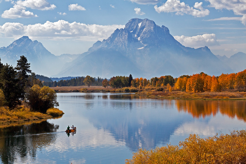 Canoe, Oxbow Bend, Snake River, Mt. Moran, Grand Teton National Park, Wyoming, USA, North America