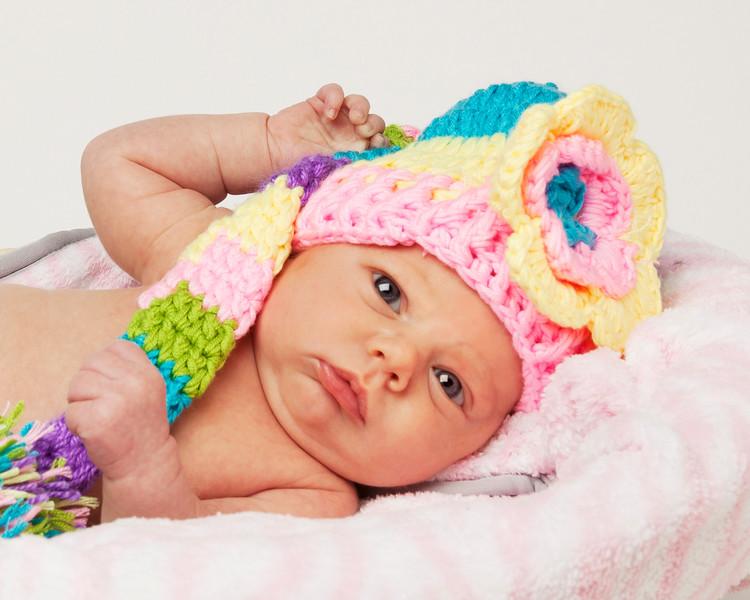 Emma basket rainbow hat crop