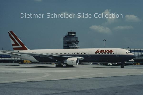 OE-LAV Boeing 767-300 Lauda AIr