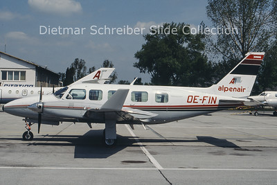 OE-FIN Piper 31-350 Navajo (c/n 31-8052026) Alpenair