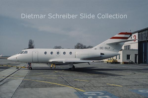 OE-GLF Falcon 20
