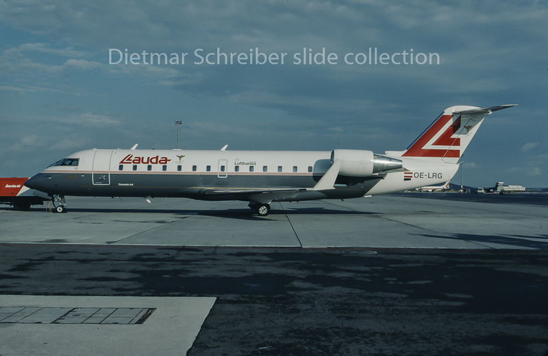 1996-09 OE-LRG Canadair Regionaljet Lauda Air