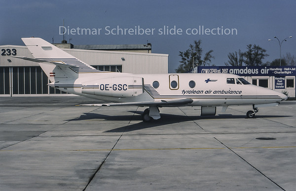 1995-04 OE-GSC Dassault Falcon 10 Tyrolean Jet Service