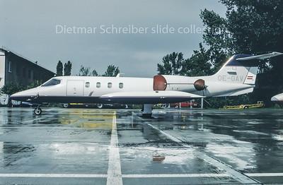 1995-09 OE-GAV Learjet 35 Grossmann Air Service c/n 35-185