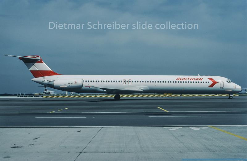 1995-09 OE-LDW MDD MD80 Austrian Airlines