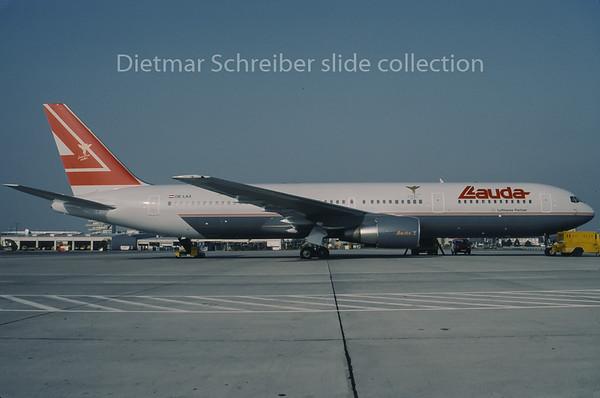 1995-10 OE-LAX Boeing 767-300 Lauda Air