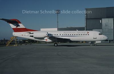 1995-11 OE-LFP Fokker 70 Austrian Airlines