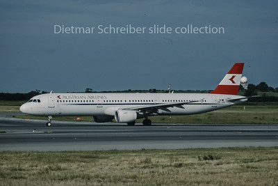 1999-01 OE-LBA Airbus A321 Austrian Airlines