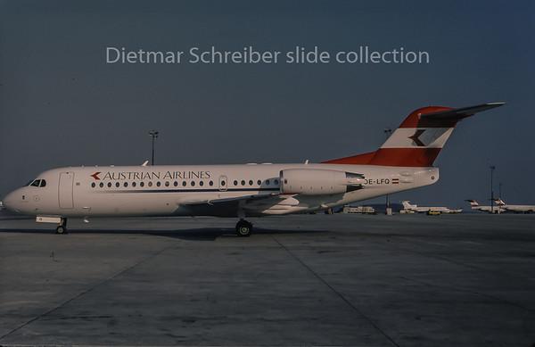 1996-04 OE-LFQ Fokker 70 Austrian Airlines