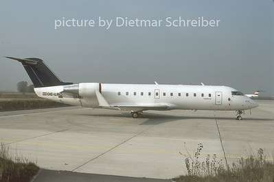 1996-11 OE-LRQ Canadair Regionaljet 200 Lauda Air