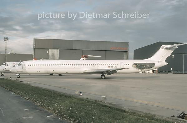 1996-11 OE-LDU MDD MD80 Austrian Airlines