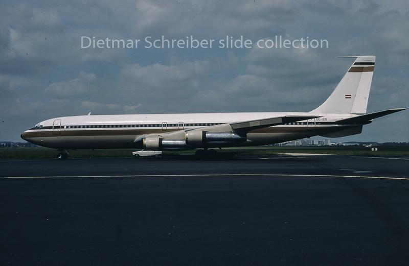OE-IEB Boeing 707 Flyglob