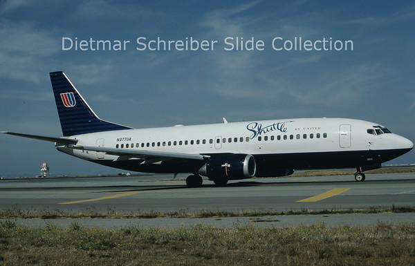 1995-10-08 N377UA Boeing 737-300 Shuttle by United