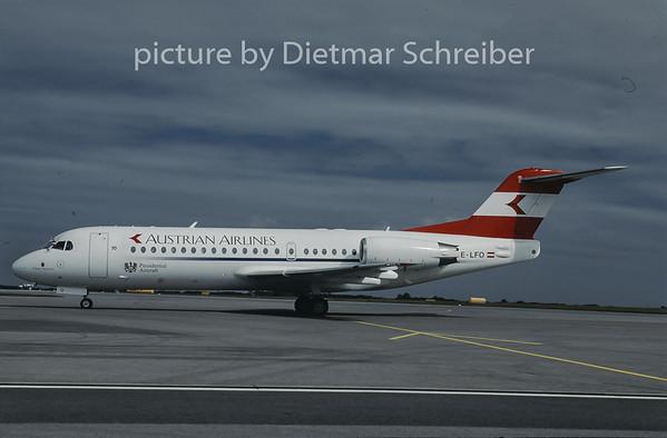 1997-10 OE-LFO Fokker 70 Austrian Airlines