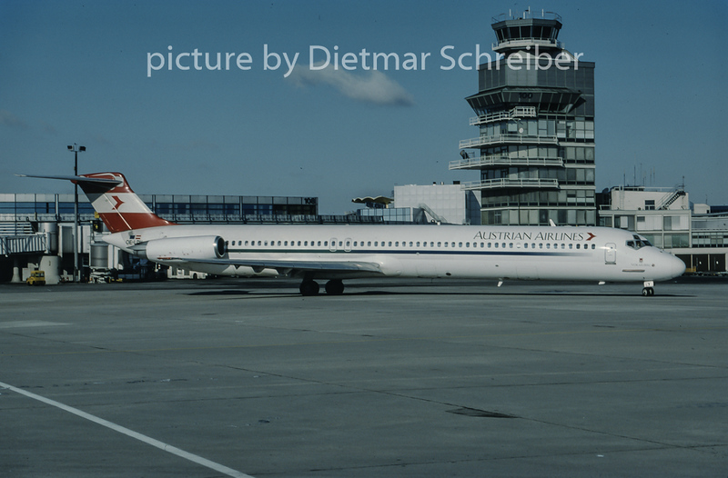 1999-02 OE-LDY MDD MD80 Austrian Airlines