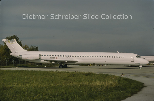 1998-11 OE-LDT MDD MD80 Austrian Airlines