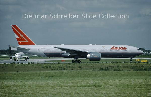 OE-LPB Boeing 777-2Z9ER (c/n 28699) Lauda Air