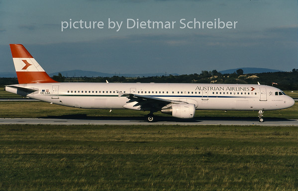 2001-09 OE-LBA Airbus A321 Austrian Airlines