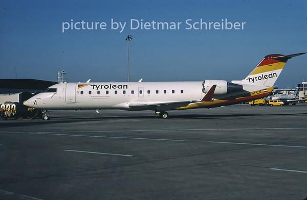 2001-07 OE-LCM Canadair Regionaljet 200 Tyrolean Airways